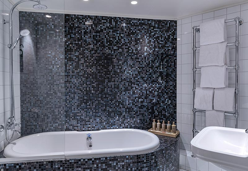 Badeværelse på hotel kong frederik suiten