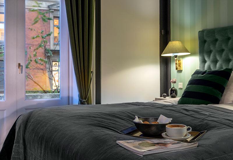 Standard værelser og dobbelt seng for 2 personer hos Hotel Kong Frederik